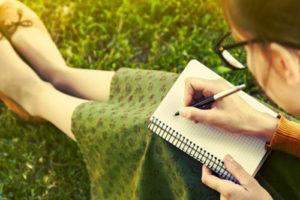Lady-writing-notes